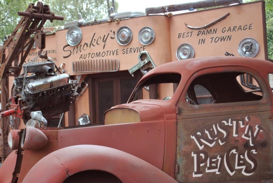 Goodwood Revival Gasser garage