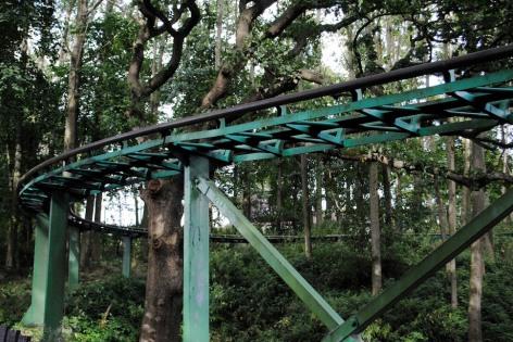 abandoned-themepark