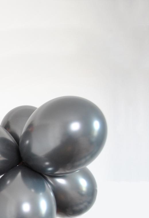 black-balloons