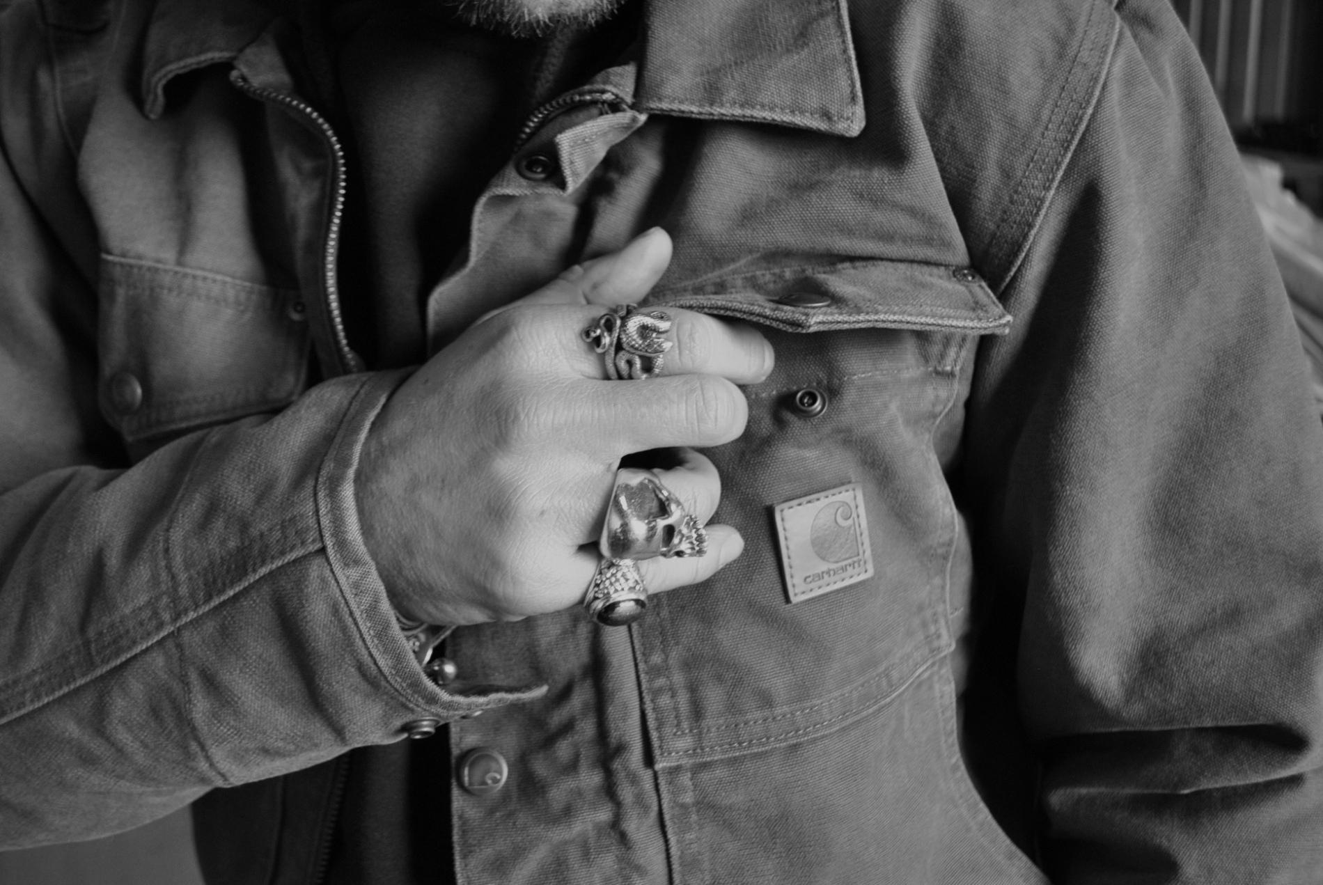 carhartt-jacket-detail-3-bw