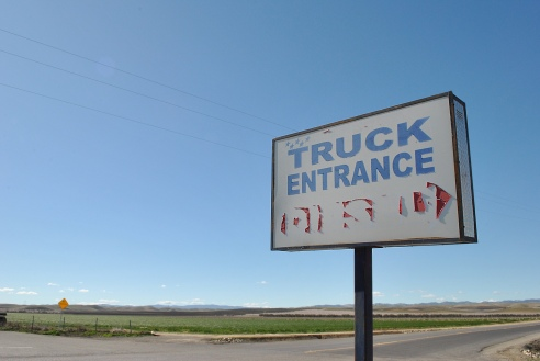 Truck-stop-signage