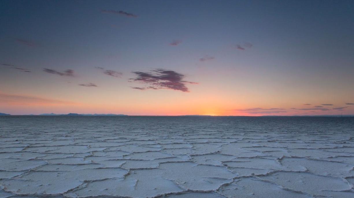 Bonneville-Salt-Flats-stills