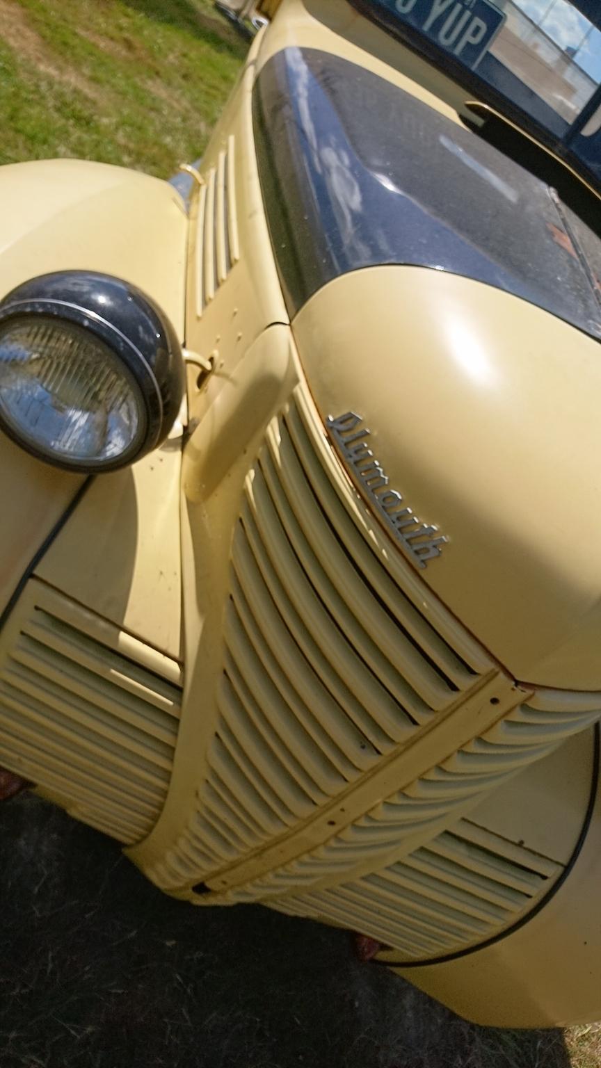 Plymouth-pickup